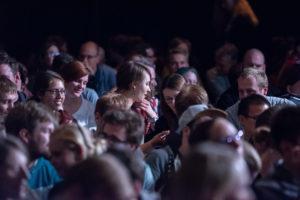 Publikum beim Science Slam